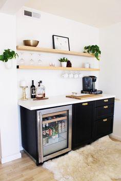 Coffee Bar Design, Coffee Bar Home, Home Coffee Stations, Coffee Shop, Coffee Detox, Coffee Americano, Coffee Maker, Coffee Health, Diy Bar