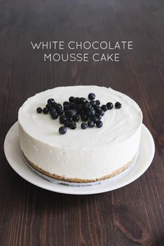 White chocolate mousse cake with blueberries recipe//