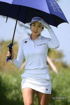 Golf tips, tricks and products Girl Golf Outfit, Cute Golf Outfit, Golf Images, Golf Pictures, Girls Golf, Ladies Golf, Women Golf, Sexy Golf, Golf Umbrella