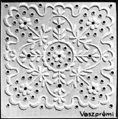 Chain Stitch Embroidery, Embroidery Motifs, Learn Embroidery, Embroidery Designs, Floral Embroidery, Stitch Head, Vintage Jewelry Crafts, Hungarian Embroidery, Textiles