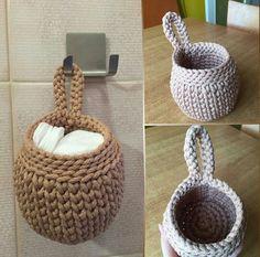 Catch Cute & Simple Designs of Crochet for Beginners - Diy Crafty Diy Crochet Basket, Crochet Basket Pattern, Easy Crochet Patterns, Crochet Designs, Crochet Round, Knit Crochet, Crochet Storage, Crochet Home Decor, Lace Decor