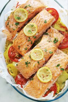 Salmon Recipes, Fish Recipes, Healthy Recipes, Easy Dinner Recipes, Easy Meals, Butter Salmon, Cholesterol Lowering Foods, Cholesterol Levels, Fish And Seafood