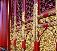 forbidden city door
