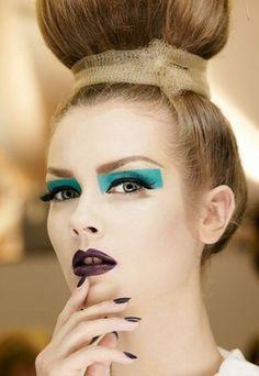 Dior Make-up Backstage: von Farben und Kontrasten... © Thibaut de Saint Chamas - Dior Make-up, Backstage                                                                                                                                                                                 Mehr