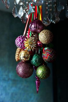 Hang your Christmas baubles in a cluster for easy impact. Find more two minute decorating ideas by c… – christmas Bohemian Christmas, Noel Christmas, Christmas Colors, Christmas Wreaths, Christmas Crafts, Christmas Ornaments, Christmas 2019, Christmas Baubles To Make, Christmas Reef