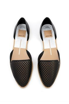 These flats are perfect for a girl on the go! www.mooreaseal.com