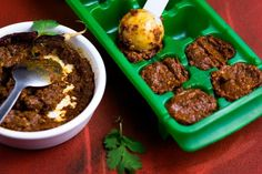Curry Ice Cubes or How To Store Extra Curry Paste | #curry #currypaste #foodstorage #Thaifood