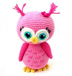 Free Crochet Pattern: Pink Owl Amigurumi Doll | HubPages Owl Crochet Pattern Free, Crochet Owls, Crochet Gratis, Crochet Butterfly, Cute Crochet, Free Pattern, Crocheted Flowers, Crochet Stars, Crochet Food