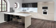 #cocinas Diseño de cocina lacada en blanco con forma de U