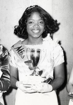 "Seventeen year-old Oprah Winfrey shows off her trophy ""Miss Fire safety"" in her hometown of Nashville in Black Girls Rock, Black Girl Magic, Steve Jobs, Martin Luther, Barack Obama, Donald Trump, Pageant Girls, Vintage Black Glamour, Black History Facts"