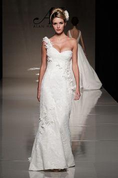 Honey Buy: Carolina Herrera wedding dresses 2013