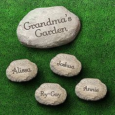 personalized moms mosaic garden stepping stone pinterest garden stepping stones mosaic garden and grandmothers - Personalized Garden Stones