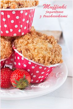 Strawberry yogurt muffins / Jogurtowe muffinki z truskawkami #strawberry #muffins #recipe