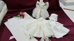 Trusou botez Baptism Clothes, Baptism Outfit, Girls Dresses, Flower Girl Dresses, Wedding Dresses, Flowers, Fashion, Bride Dresses, Moda