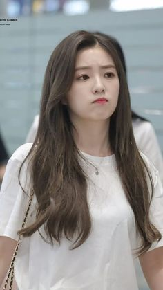 Irene Red Velvet, Irene Red Velvet - Irene has approved several brands. In addition to supporting Red Velvet, it became an Ivy Club model with Irene Red Velvet, Red Velvet アイリーン, Red Velvet Photoshoot, Velvet Wallpaper, Red Valvet, Seulgi, Soyeon, Beautiful Asian Girls, Ulzzang Girl