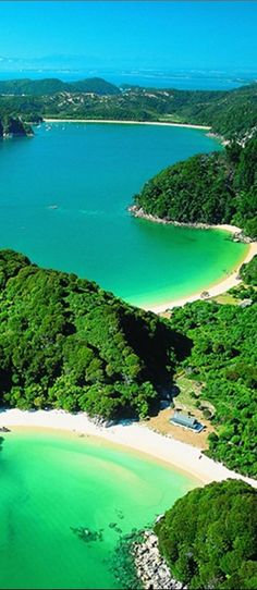 Abel Tasman National Park on New Zealand's South Island #travelnewhorizons