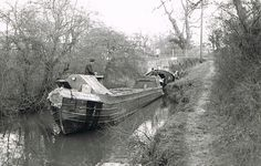 Canals - The Nuneaton and North Warwickshire Local and Family History Web Site Canal Barge, Canal Boat, History Channel, Birmingham Canal, Narrowboat, History Photos, Water Crafts, Family History, Sailing