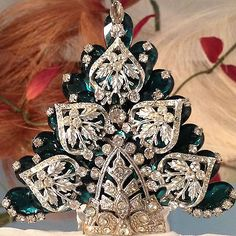 Christmas Tree Pin  Vintage Rhinestone Signed LaHeir