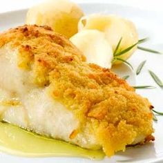 Bacalhau com broa - portuguese food is the best! Cod Recipes, Other Recipes, Fish Recipes, Seafood Recipes, Gourmet Recipes, Cooking Recipes, Gourmet Desserts, Plated Desserts, Good Food