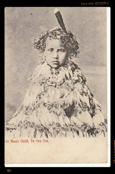 Stamps, coins and banknotes, postcards or any other collectable items are on Delcampe! Nz History, Polynesian People, Maori People, Maori Art, World Cultures, Old Photos, New Zealand, Vintage Ladies, Natural Healing