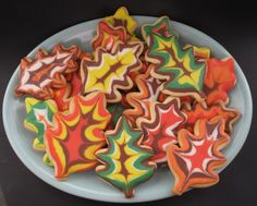 Decorated Thanksgiving Sugar Cookies (with tutorial)- soft sugar cookies with crunchy icing in fall colors piped in easy to do designs!