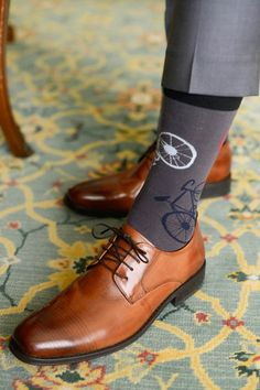 Bicycle themed wedding ideas: Cool socks for the groom