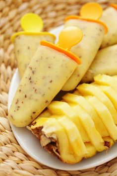Pina Colada Popsicles -Bring the taste of the tropics to your home with these simple delicious tropical fruit Pina Colada treats.