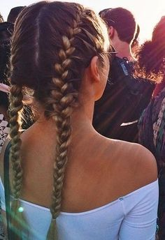 Festival Hair. Cute! And great for the 3rd day of not washing! Im obsessed with braids!! Lately I've been wearing french braids. They are so cute and easy to do! I also love taking my hair out after a few hours to have crimped wavy hairy!
