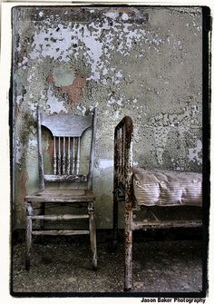 Norwich State Hospital by jason baker photography Abandoned Buildings, Abandoned Asylums, Old Buildings, Abandoned Places, Photocollage, Wabi Sabi, Architecture, Old Houses, Decoration