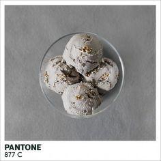 couleurs Pantone réalisées à partir d'aliments de la couleur concernée  Pantone 877 C