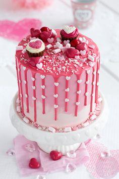 Elegant Birthday Cakes, Small Birthday Cakes, Novelty Birthday Cakes, Valentine Desserts, Valentines Day Cakes, Fancy Cakes, Mini Cakes, Cupcake Cakes, Cake Decorating Techniques