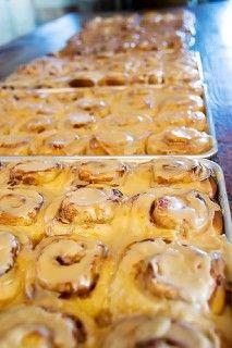 The best Cinnamon Rolls Breakfast Pastries, Breakfast Dishes, Breakfast Recipes, Dessert Recipes, Yummy Treats, Delicious Desserts, Yummy Food, Sweet Treats, Pioneer Woman Cinnamon Rolls