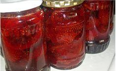Dulceață de căpșuni FĂRĂ FIERBERE! Această rețetă este delicioasă, aromată și foarte simplă! - Sanatos Zi de Zi Preserves, Pickles, Jelly, Salsa, Mason Jars, Good Food, Cooking Recipes, Homemade, Canning