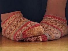 Tante er fortsatt GAL!!: NYE Sokker + GRATIS norsk oppskrift :) Opal, Socks, Fashion, Moda, Fashion Styles, Opals, Sock, Stockings, Fashion Illustrations