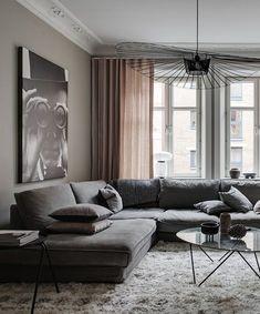 Stylish home in beige - via Coco Lapine Design blo Home Living Room, Living Room Designs, Living Room Decor, Dining Room, Room Interior, Interior Design, Stylish Interior, Interior Paint, Luxury Interior