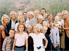 great family portrait ideas / letthekids.com