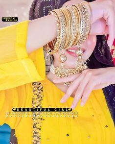 Girls Dpz, Bangles, Bracelets, Girls Image, Girl Names, Beauty, Beautiful, Jewelry, Fashion