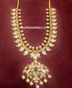 Mango Necklace latest jewelry designs - Page 8 of 42 - Indian Jewellery Designs Mango Necklace, Gold Jewellery Design, Bead Jewellery, Temple Jewellery, Pearl Jewelry, Pendant Jewelry, Antique Jewelry, Gold Jewelry Simple, Trendy Jewelry