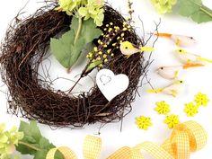 Veneček žlutý - sada Grapevine Wreath, Grape Vines, Sad, Wreaths, Home Decor, Decoration Home, Door Wreaths, Room Decor, Vineyard Vines