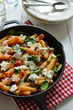 FoodLover: Pětiminutová omáčka na těstoviny - rajčatová s ricottou