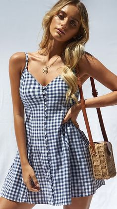29 Cute Summer Outfits For Women And Teen Girls - The Finest Feed Cute Summer Outfits For Women And Teen Girls Casual Simple Summer Fashion Ideas. Clothes for summer. Summer Styles ideas Trending in Summer Fashion Outfits, Cute Summer Outfits, Spring Outfits, Cute Outfits, Stylish Outfits, Casual Outfits For Girls, Casual Summer, Black Women Fashion, Look Fashion