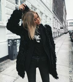 Winter style | All-black street outfit
