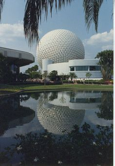 Blog post with vintage photos of Spaceship Earth - wish these gorgeous reflecting ponds were still around!
