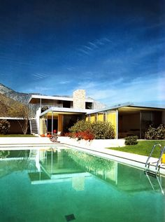Kaufmann House by icon Richard Neutra. Hands, down, Neutra is my favorite architect and designer of the modern home. Second to none, these residences  are classic gems.