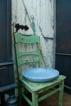Salvaged Inspirations | Featuring Pleasant Pickin's Open House | Milk Painted Distressed Chair and Door