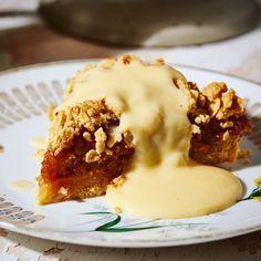 """Street Kitchen az Instagramon: """"Úgy tűnik eddig tartott a szép idő...🌧️De szerencsére van más módja is, hogy feltöltődjünk😊. Brit tudósok kimutatták👨🔬, hogy az almás…"""" Brie, Cheesesteak, Pudding, Ethnic Recipes, Puddings"""