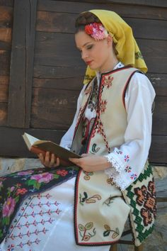 Serbian beauty in traditional costume from Užice (West Serbia) Ukraine, Costumes Around The World, Art Populaire, Country Dresses, Ethnic Dress, Serbian, Folk Costume, Ethnic Fashion, World Cultures