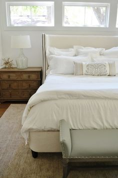 Home Tour: Farmhouse Modern- Master Bedroom | Bright & crisp, read about this lovely home here!