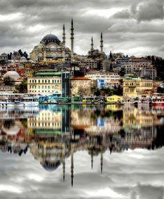 Süleymaniye Camii - крупнейшая мечеть Стамбула.
