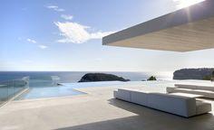 Casa en el mar con porche y piscina